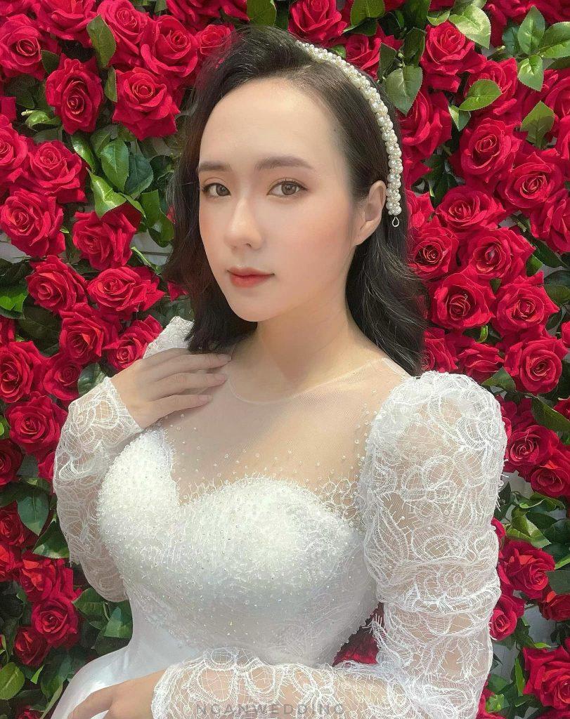 Trang điểm cô dâu phong cách Elsa